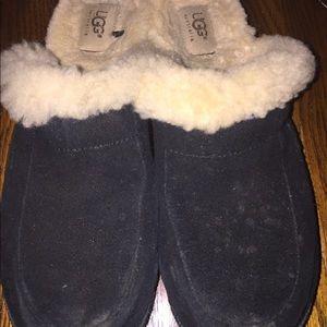 Ugg brand clogs black fur lined